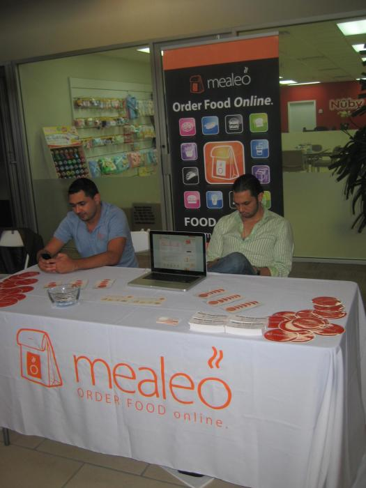 Imprinted table cover in Doral, retractable banner stand in Doral, full color printing in Doral